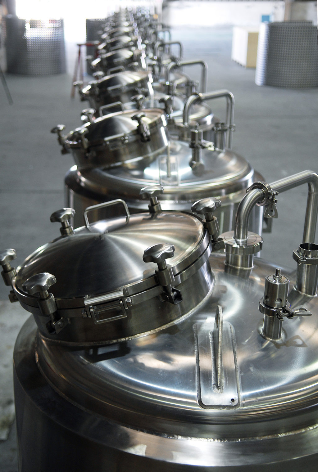 lehui-craft-brewhouses-brewing-equipment-tanks